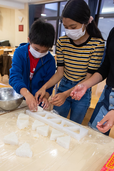Middle School-Onigiri for the Chiku Center-ELP_4223-2018-19.jpg