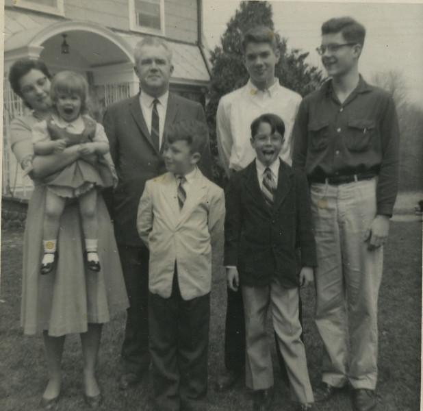 Family at Gurleyville house 1960133.jpg