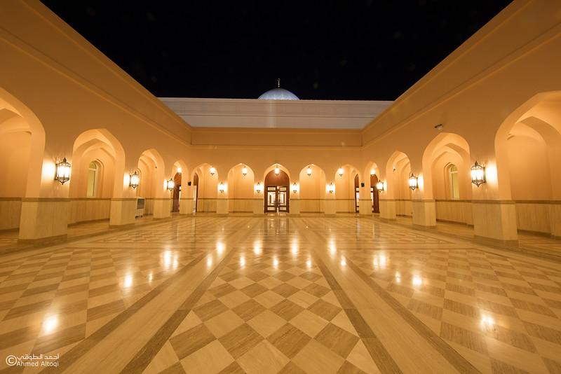 Sultan Qaboos Mosque - Fanja (2).jpg