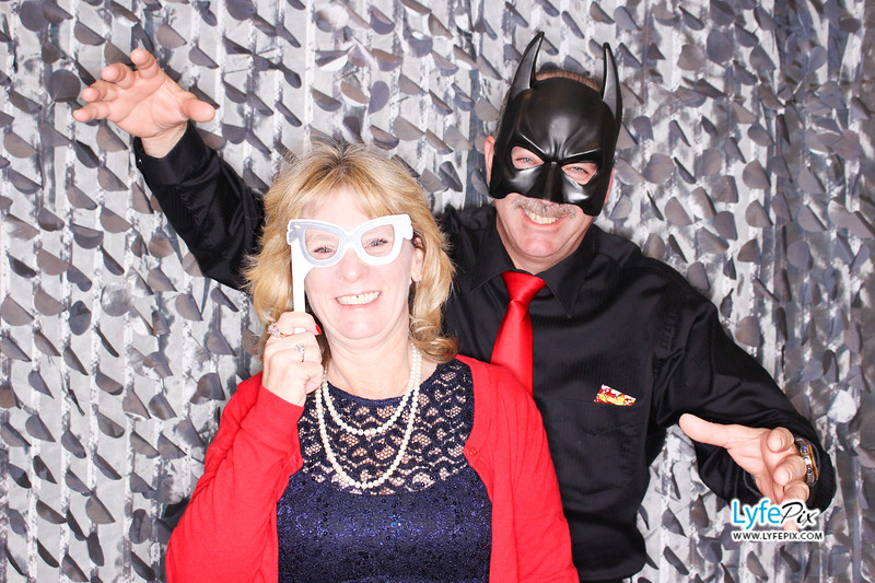 red-hawk-2017-holiday-party-beltsville-maryland-sheraton-photo-booth-0154.jpg