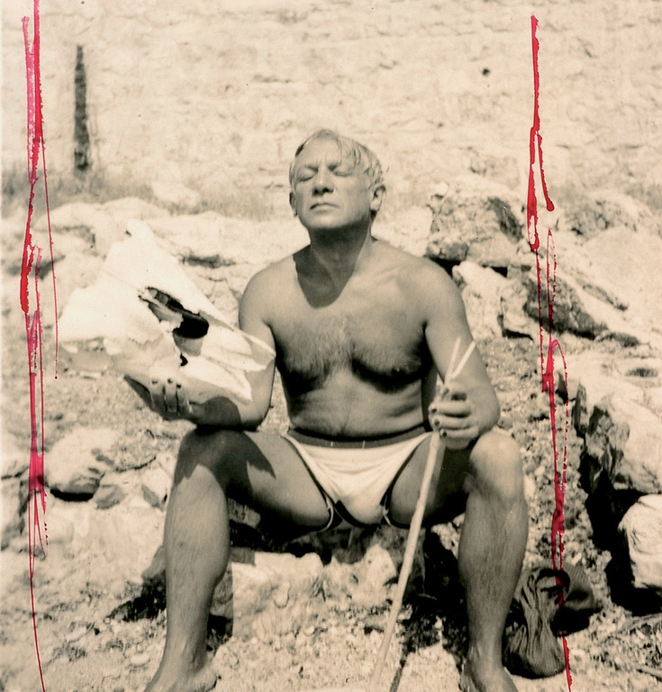 . This photo provided Wednesday Feb. 15, 2006, by Paris\' Picasso Museum shows Pablo Picasso on a beach in 1937. (AP Photo/Dora Maar; Musee Picasso; ADAGP Paris 2006)