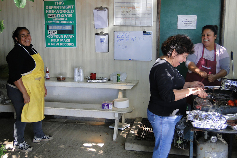 Juana, Elia & Elizabeth hard at work! Sept. 1st 2011