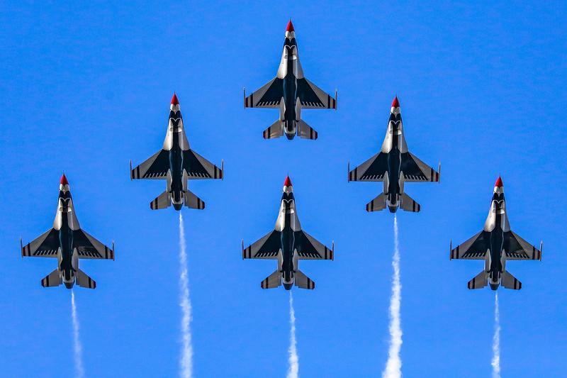 20140101 Thunderbirds Rose Parade-1.jpg
