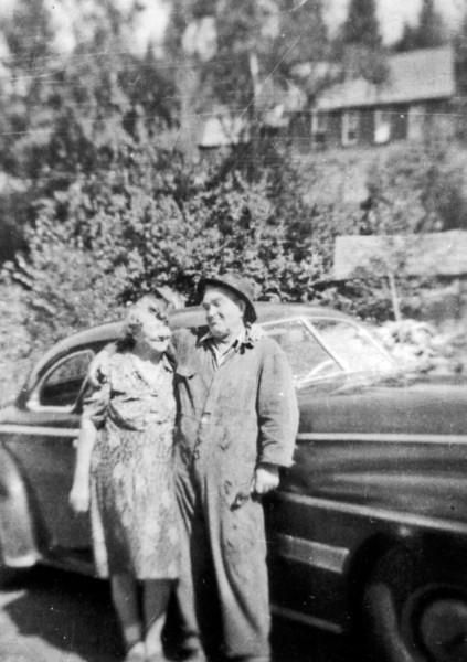 Grandma Nelson and Lou Sipe 102.jpg