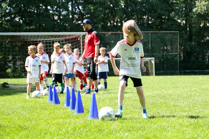 hsv_fussballschule-396_48047996783_o.jpg