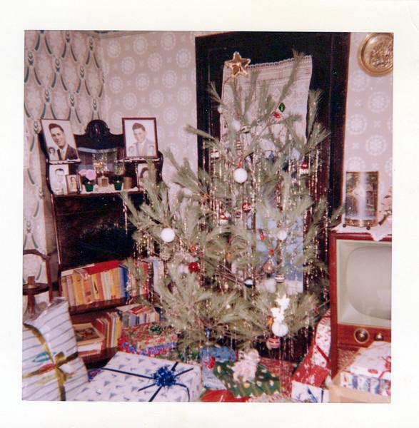 1959 Christmas at Konyha's.jpeg