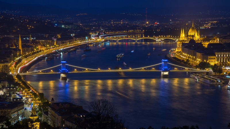 Chain Bridge in blue from gellert hill
