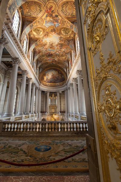 The chapel inside Versailles.