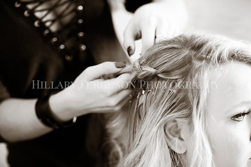 Hillary_Ferguson_Photography_Melinda+Derek_Getting_Ready123.jpg