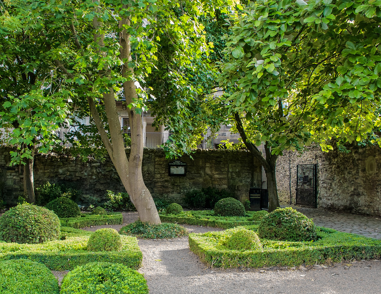 Dunbar's Close Garden - Edinburgh