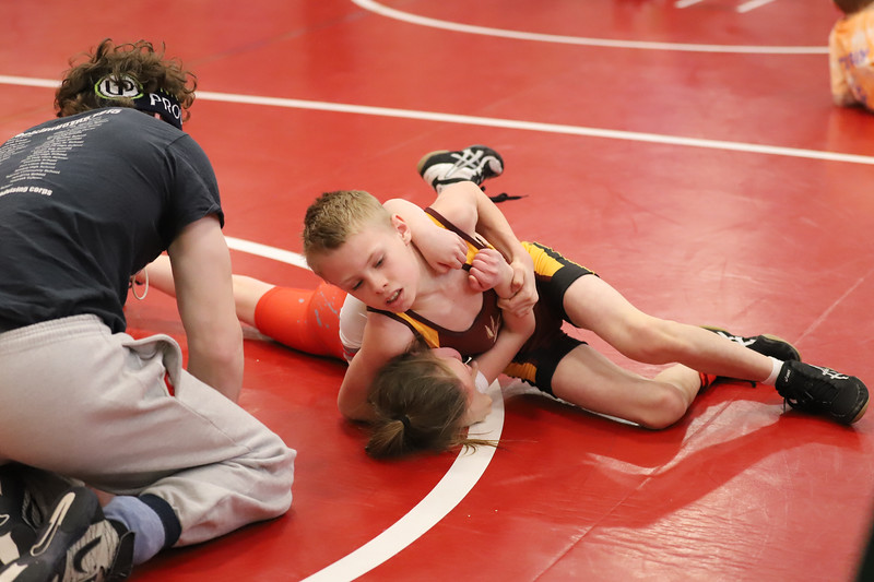 Little Guy Wrestling_4472.jpg