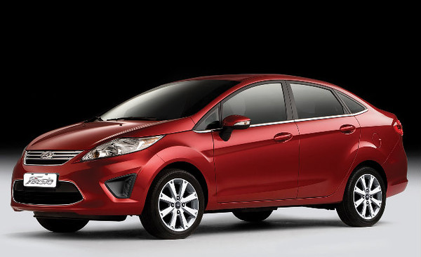 2011 Ford Fiesta Red 1.jpg