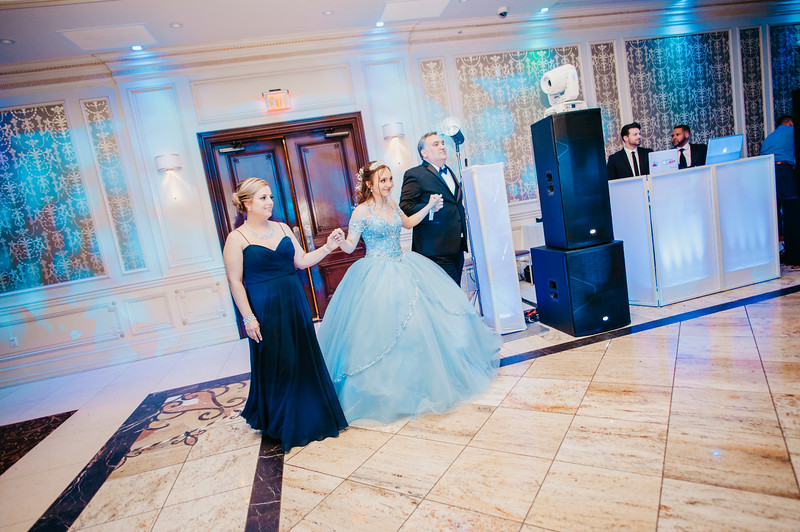 First Dance Images-99.jpg
