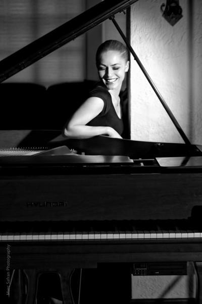0412_Aliona_Piano-20-1-2.jpg