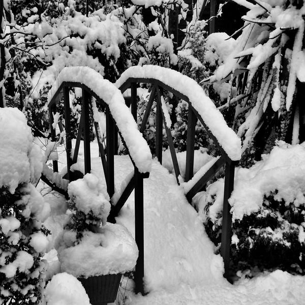 Bridge under Snow~3233-2sq.