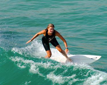 Lady Surfer-90
