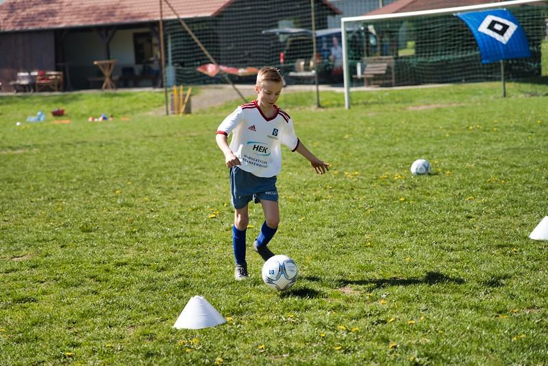 hsv-fussballschule---wochendendcamp-hannm-am-22-und-23042019-y-5_46814457615_o.jpg