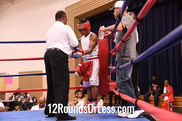 Bout #10:  Jibrell Hawkins, Red Gloves, Akron BA, Akron -vs- Charlie Chase, Blue Gloves, Ellwood City BC, Ellwood, PA, 132 Lbs