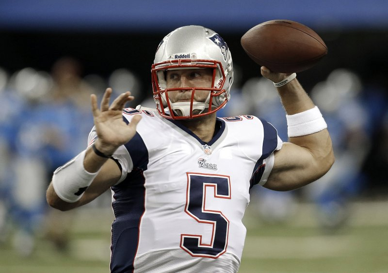 """. <p><b> Unemployed quarterback Tim Tebow reportedly has received a $1 million offer from Russia to � </b> <p> A. Play in a football tournament  <p> B. Coach a college team in Moscow  <p> C. Give Vladimir Putin a massage  <p><b><a href=\'http://www.huffingtonpost.com/2013/09/16/tim-tebow-russia-1-million_n_3930701.html\' target=\""""_blank\"""">HUH?</a></b> <p>    (AP Photo/Paul Sancya)"""