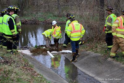 20090404-Mutal Aide Oil Spill