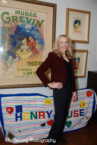 Julie Dowling and the Aids Quilt.jpg