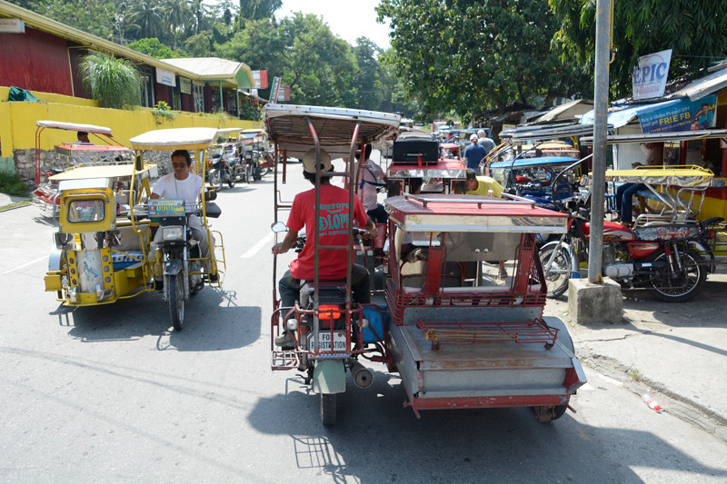 Puerto Galera_Traffic-2.jpg