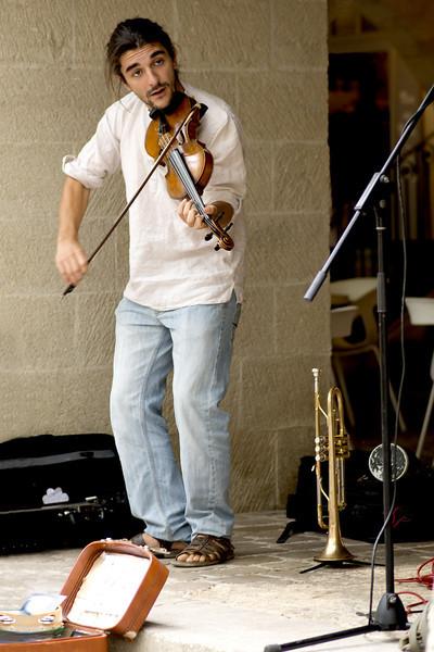 uzes fiddler.jpg