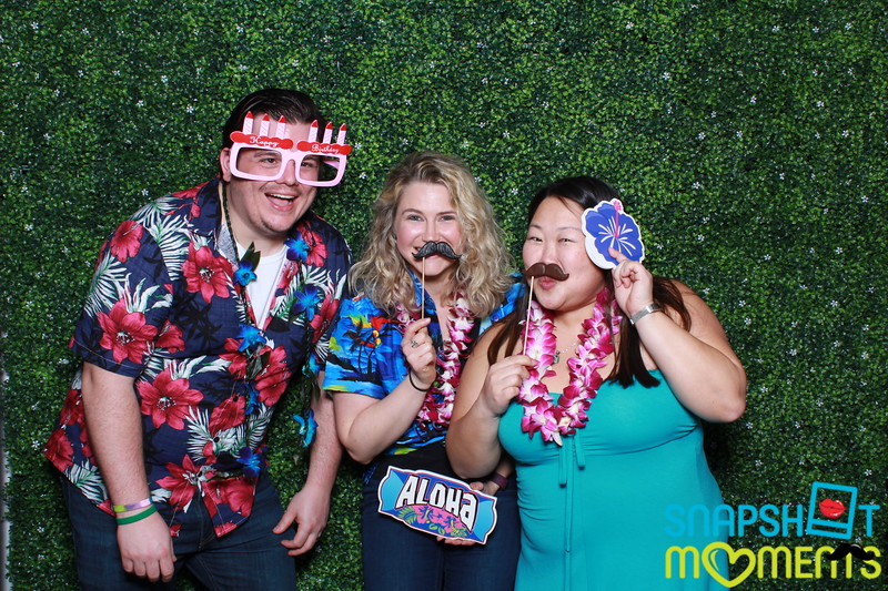 03-30-2019 - Karen and Natasha's Aloha 40th Birthday Bash_025.JPG