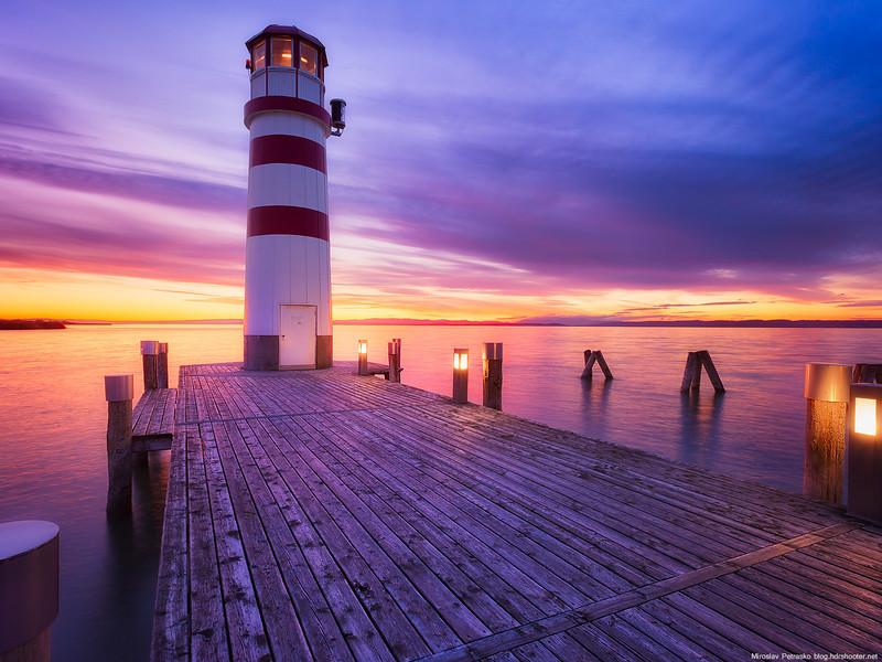 On-the-pier-1600x1200.jpg