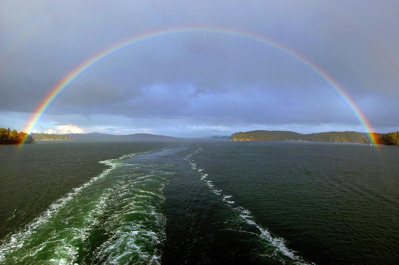 050412 2889 Canada - Victoria - BC Ferry - Rainbow _I ~E ~L.JPG