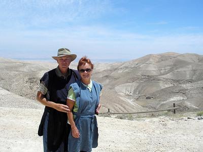 2011-05-09 - Shechem  Camels Jerusalem South-Wall