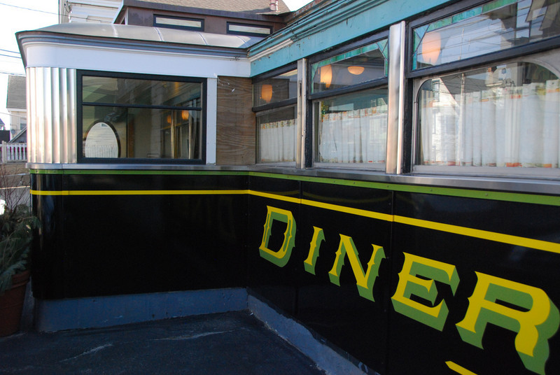 100308_Diners-FourSisters_9089.jpg