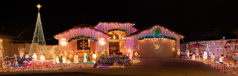 Phoenix Adobe Highlands Neighborhood Lights December 24, 2018  17.jpg