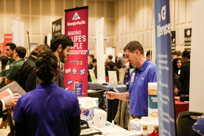 2017_CareerFair-11.jpg