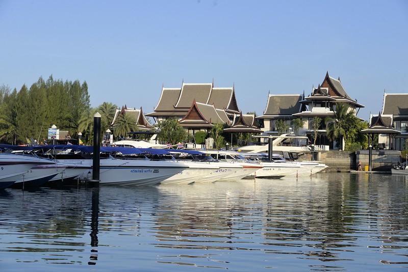 _DG17569-12R Royal Phuket Marina.JPG