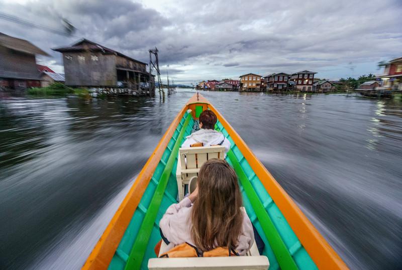 Inle lake boat Ami.jpg
