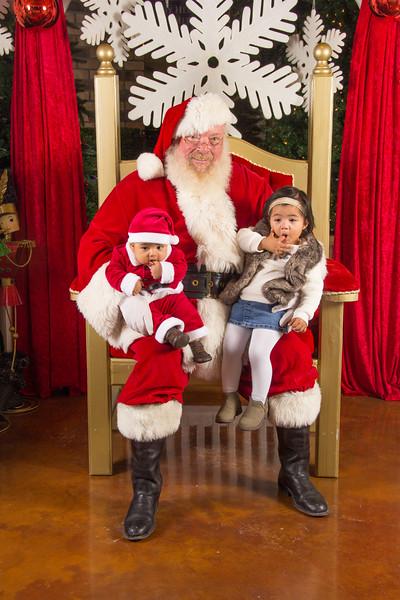 Santa 12-16-17-274.jpg