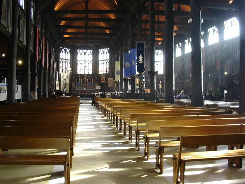 Kirkebenkerader i l'Eglise Sainte-Catherine (Foto: Ståle)