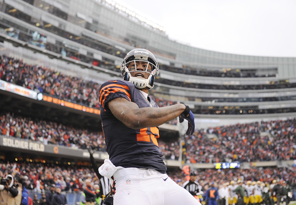 . Brandon Marshall #15 of the Chicago Bears reacts after scoring a touchdown against the Green Bay Packers on December 16, 2012 at Soldier Field in Chicago, Illinois. (Photo by David Banks/Getty Images)