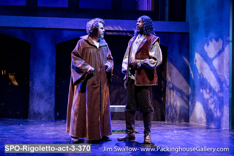 SPO-Rigoletto-act-3-370.jpg