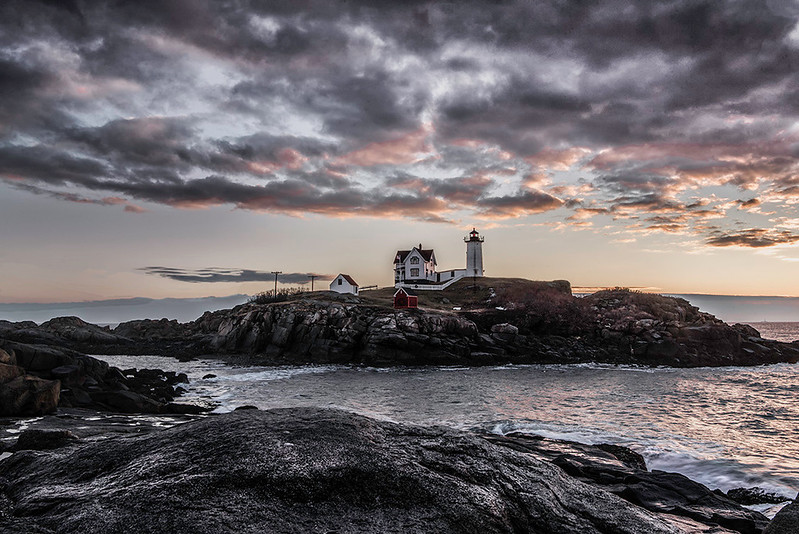 Nubble Light New Year's 2017 morning