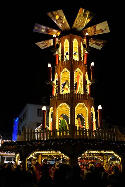 Wurzburg_ChristmasMarket-161126-42.jpg