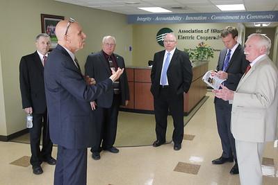 AIE Senator Mark Kirk visits AIEC 5-27-15