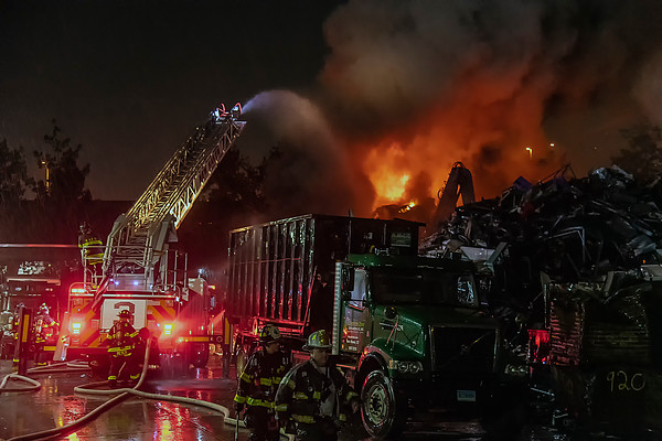 New Haven 358 Chapel St. scrap yard fire