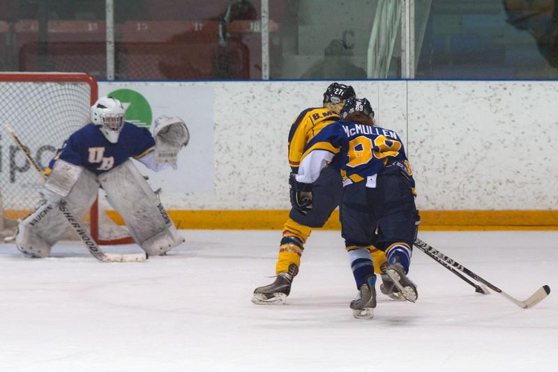 20130310 QWHockeyvsUBC 303.jpg
