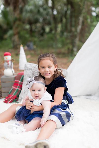 Holiday Minis- Scarth Family-96.jpg