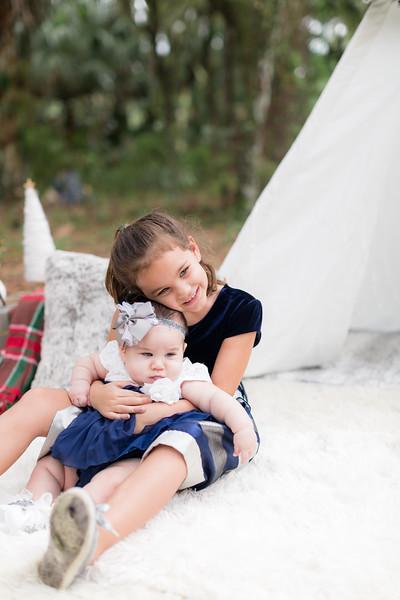 Holiday Minis- Scarth Family-98.jpg
