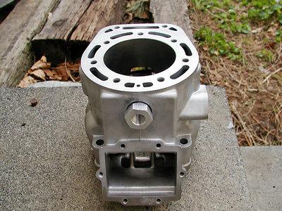 KX500 cylinder and compression release valve