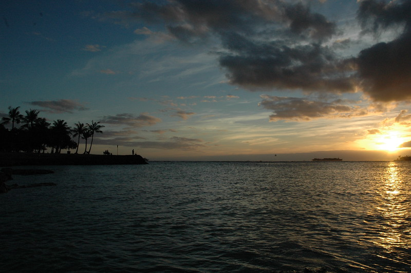 Hawaii - Ala Moana Beach Sunset-37.JPG