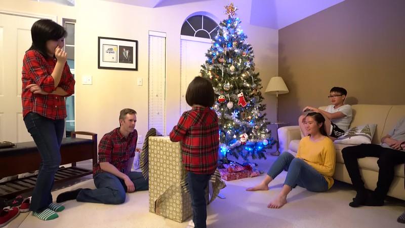 20181224_christmas-eve-vo-family.mp4